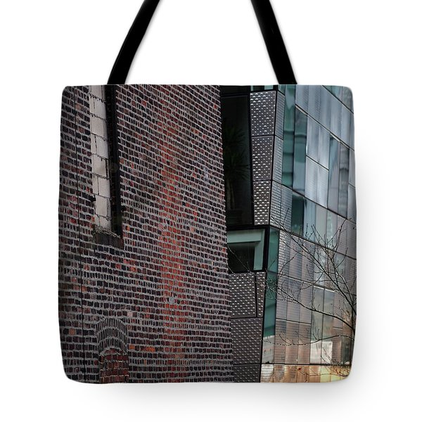 Tote Bag featuring the photograph Leaning In At The High Line by Rona Black