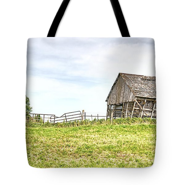 Leaning Iowa Barn Tote Bag