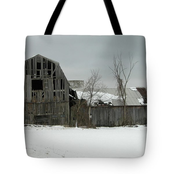 Letchworth Barn 0077b Tote Bag