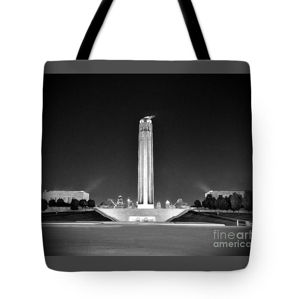 Liberty Memorial In Kansas City Bw Tote Bag
