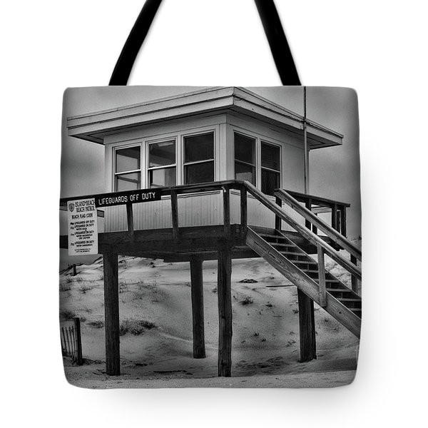 Lifeguard Station 2 In Black And White Tote Bag by Paul Ward