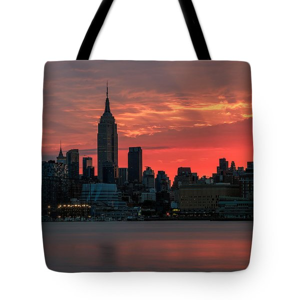 Light Ray's Of Nyc  Tote Bag