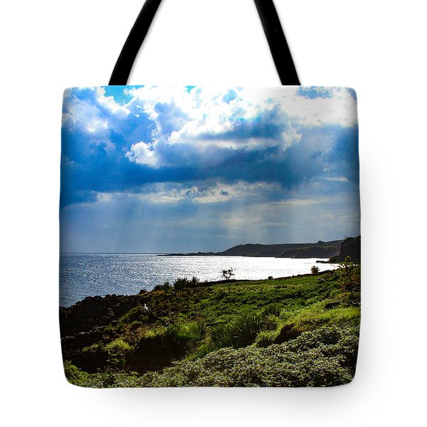 Light Streams On Kauai Tote Bag
