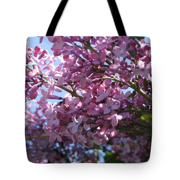 Tote Bag featuring the photograph Lilacs In Bloom 2 by Barbara Yearty