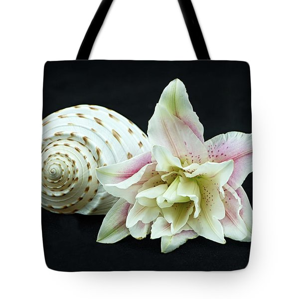 Lily And Shell Tote Bag