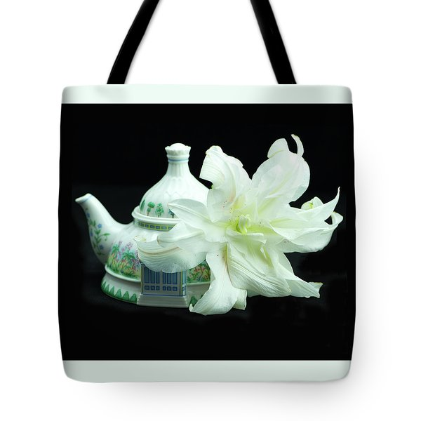 Lily And Teapot Tote Bag