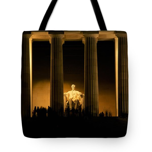 Lincoln Memorial Illuminated At Night Tote Bag by Panoramic Images