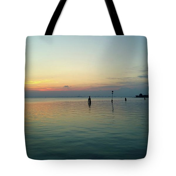 Tote Bag featuring the photograph Liquid Sunset by Anne Kotan