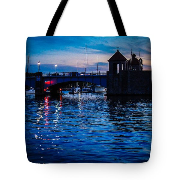 Liquid Sunset Tote Bag