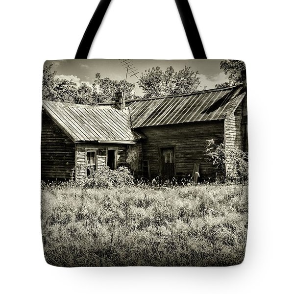 Little Red Farmhouse In Black And White Tote Bag by Paul Ward
