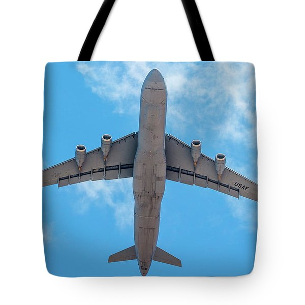 Tote Bag featuring the photograph Lockheed Martin C5 Galaxy Overhead by SR Green