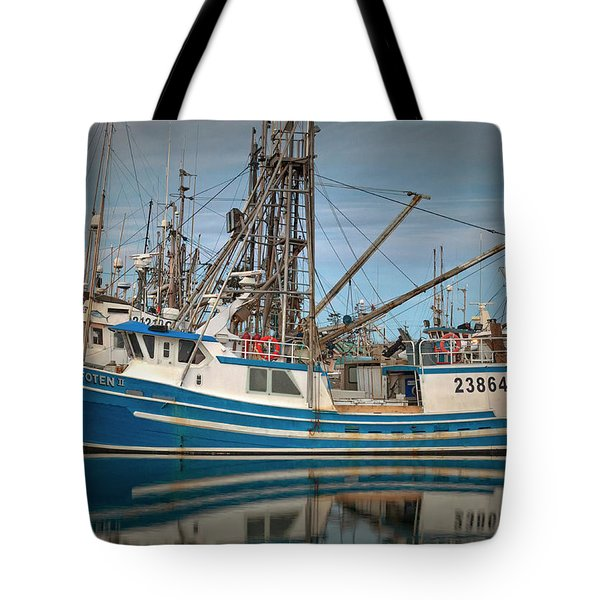 Tote Bag featuring the photograph Lofoten 2 by Randy Hall