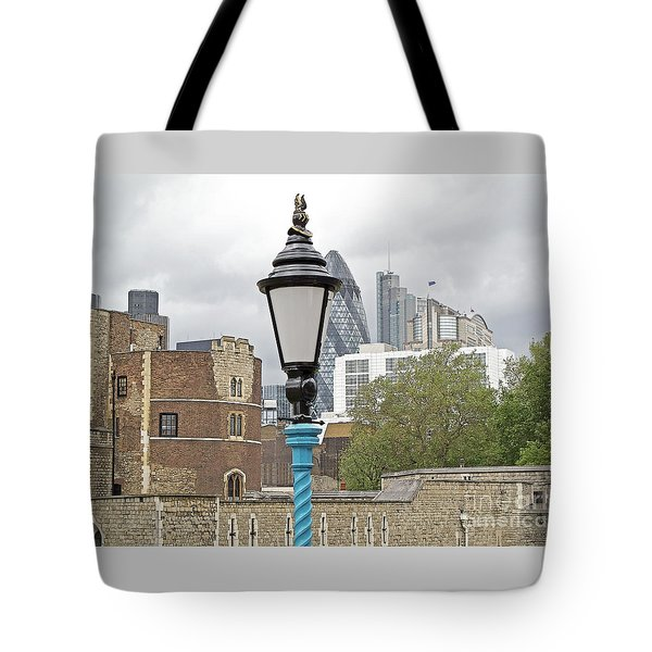 London Old And New Tote Bag by Ann Horn