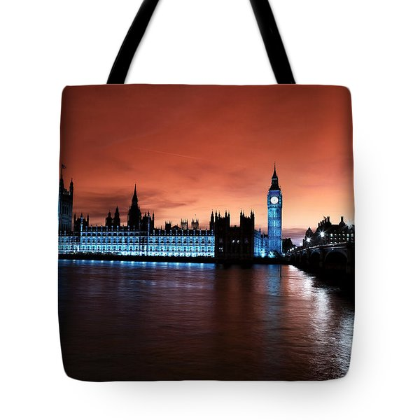 London Red Beauty Tote Bag
