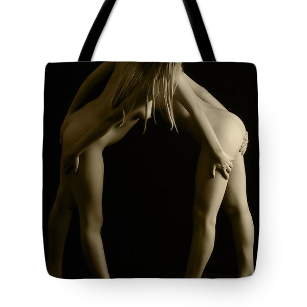 Looking Around Tote Bag