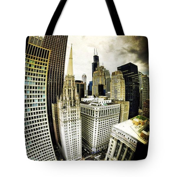 Looking Towards The Southwest And The Sears Tower Tote Bag
