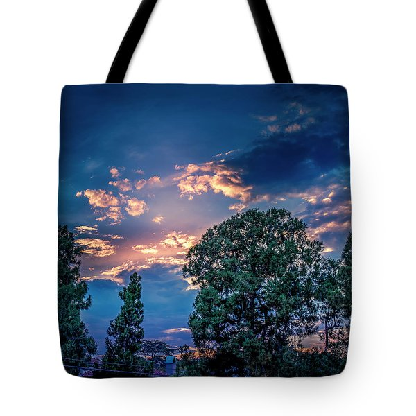 Looking West At Sunset Tote Bag