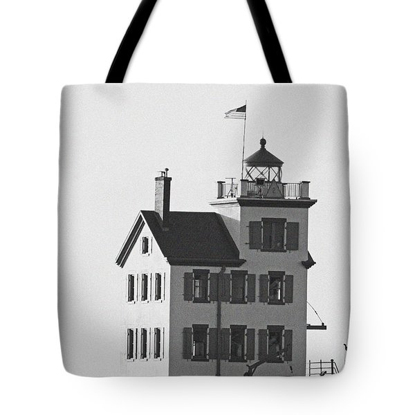 Lorain Lighthouse In Black And White Tote Bag