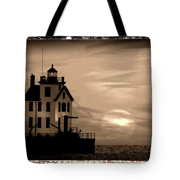 Lorain Lighthouse - Lake Erie - Lorain Ohio Tote Bag