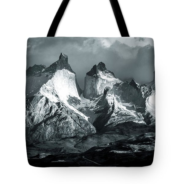 Tote Bag featuring the photograph Los Cuernos In Black And White by Andrew Matwijec