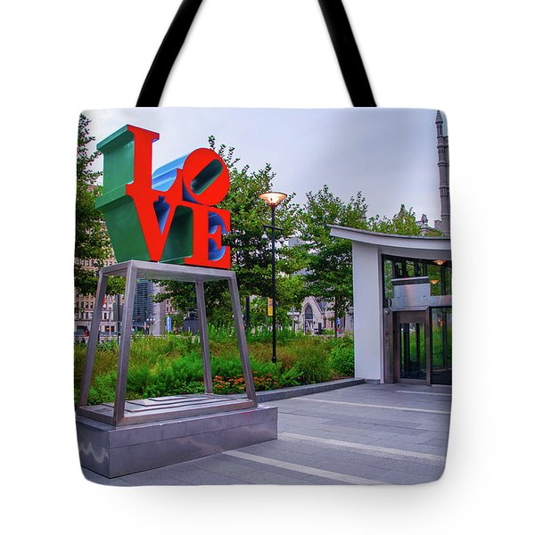 Tote Bag featuring the photograph Love At Dilworth Plaza - Philadelphia by Bill Cannon