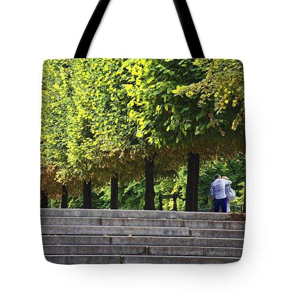 Lovers In The Tuileries Tote Bag
