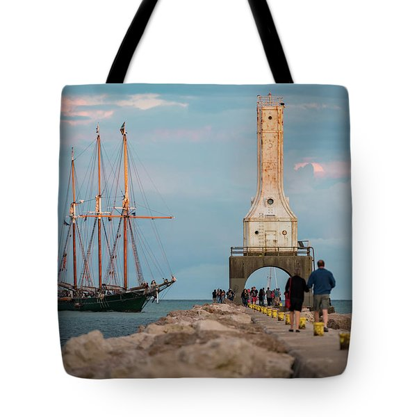 Loving Port Tote Bag