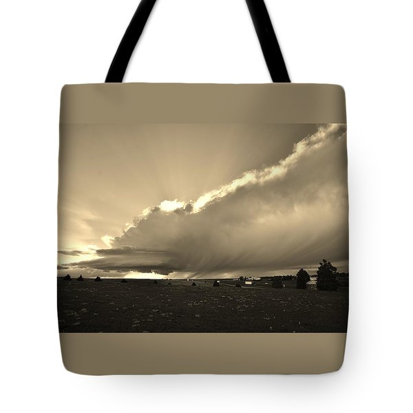 Low-topped Supercell Black And White  Tote Bag
