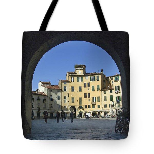 Lucca Piazza Tote Bag