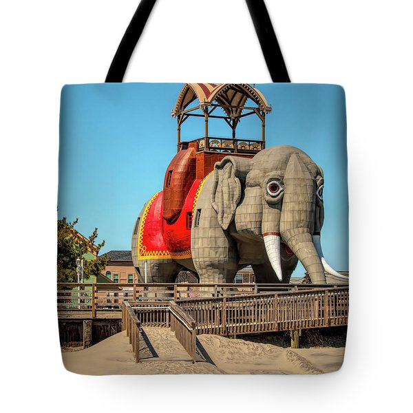 Lucy On The Beach Tote Bag