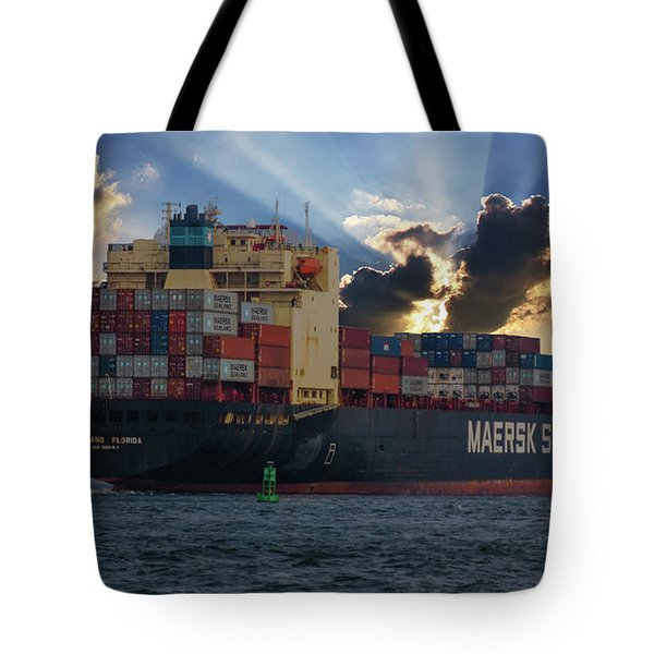 Maersk Sealand Leaving Charleston South Carolina Tote Bag