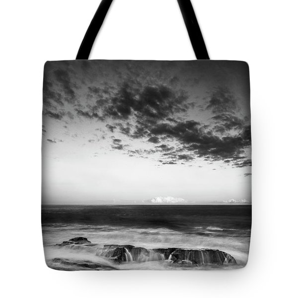 Maine Rocky Coast With Boulders And Clouds At Two Lights Park Tote Bag