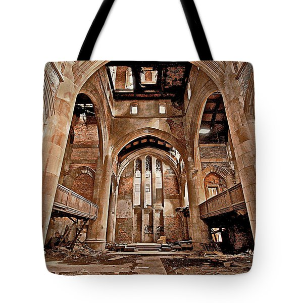 Tote Bag featuring the photograph Majestic Ruins by Suzanne Stout