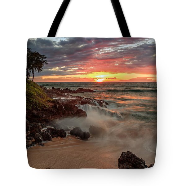 Maluaka Beach Sunset Tote Bag