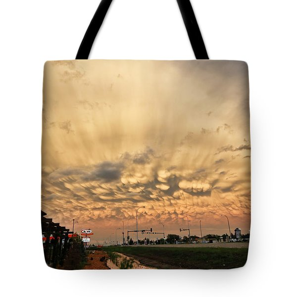 Mammatus Over Yorkton Sk Tote Bag by Ryan Crouse