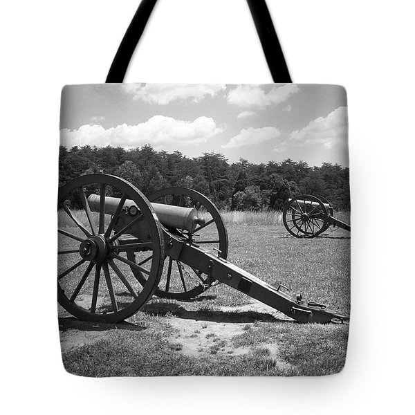 Tote Bag featuring the photograph Manassas Battlefield 2 Bw by Frank Romeo