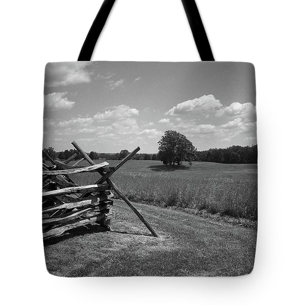 Tote Bag featuring the photograph Manassas Battlefield Bw by Frank Romeo