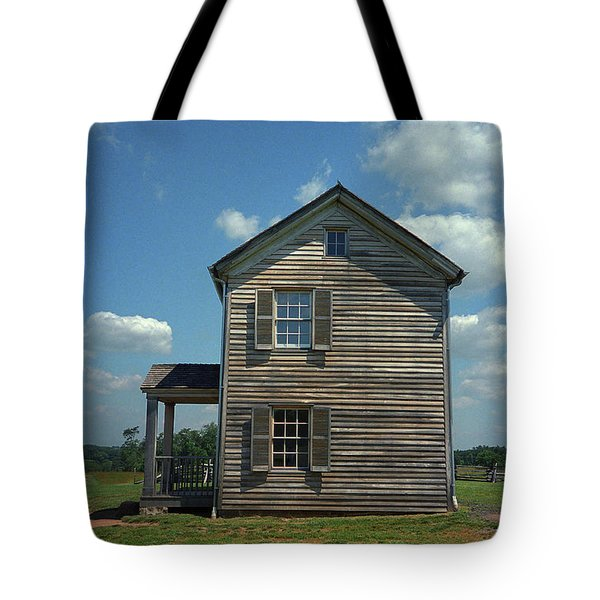 Tote Bag featuring the photograph Manassas Battlefield Farmhouse by Frank Romeo