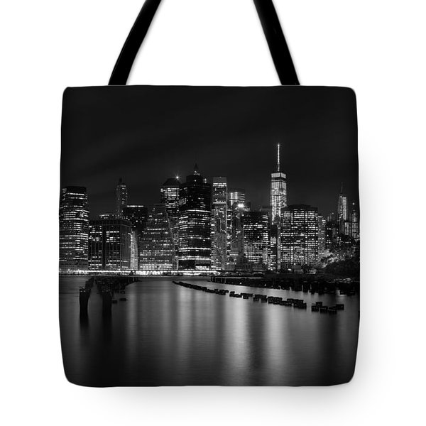 Manhattan At Night In Black And White Tote Bag