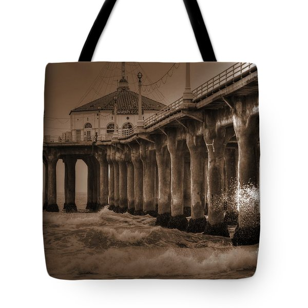 Manhattan Pier Splash Tote Bag