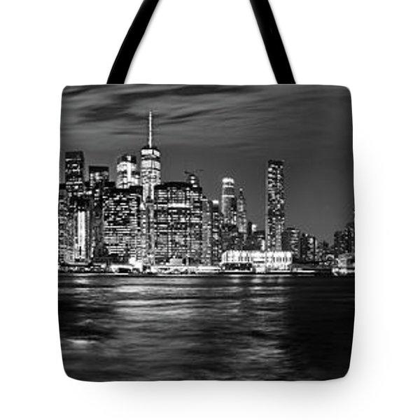 Manhattan Skyline At Dusk From Broklyn Bridge Park In Black And  Tote Bag