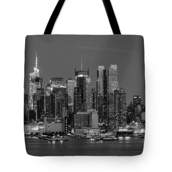 Manhattan Twilight Iv Tote Bag