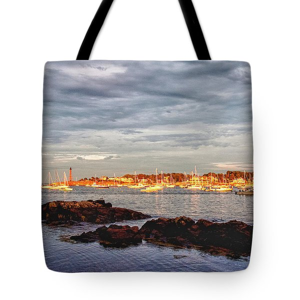 Tote Bag featuring the photograph Marblehead Neck From Fort Beach by Jeff Folger