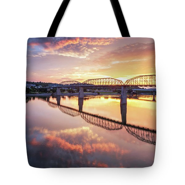 Market Street Jog At Sunrise Tote Bag
