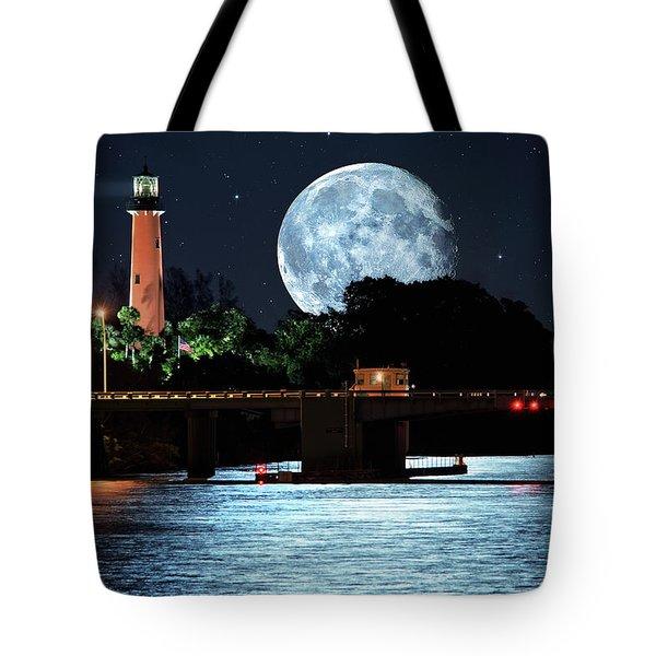 Mega Super Moon Rising Over Jupiter Lighthouse Tote Bag