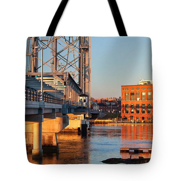 Memorial Bridge At Sunrise Tote Bag by Eric Gendron