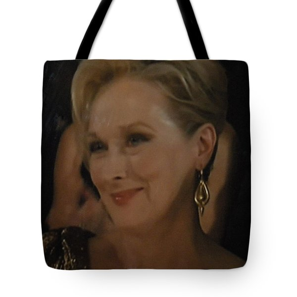 Meryl Streep Receiving The Oscar As Margaret Thatcher  Tote Bag