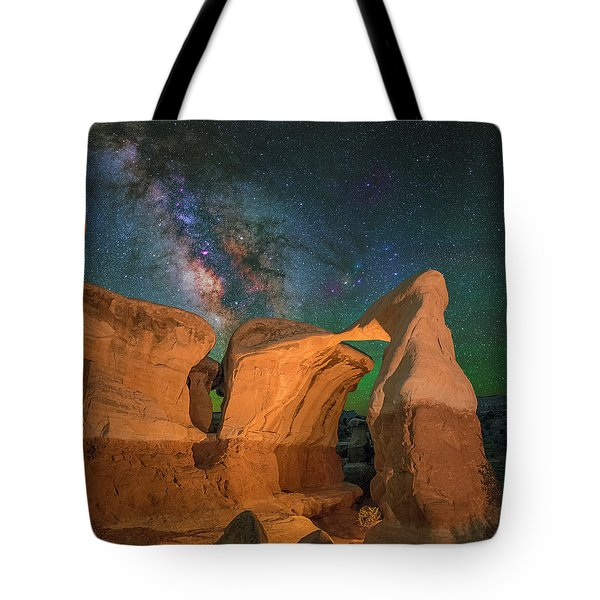 Metate Arch Tote Bag