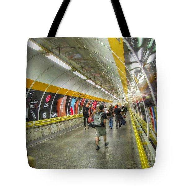 metro Budapesht Tote Bag