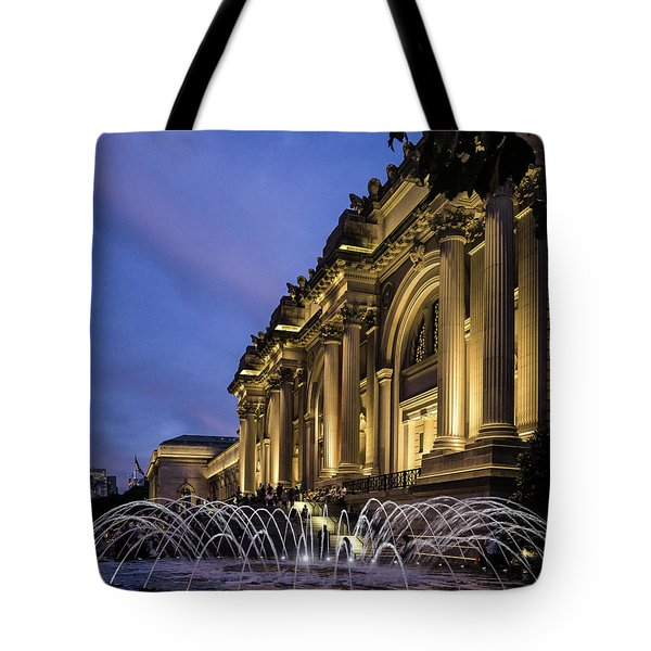Metropolitan Fountains Tote Bag